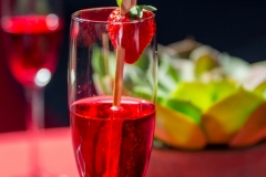 Rode alcoholvrije mousserende wijn